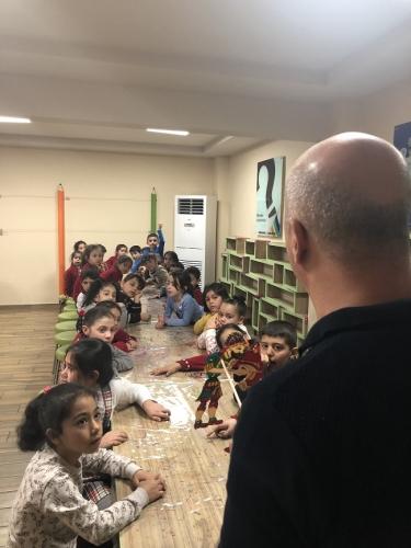 Gaziantep'in Çocuk Kütüphanelerinde Karagöz ve Hacivat Oyunları Sergilendi